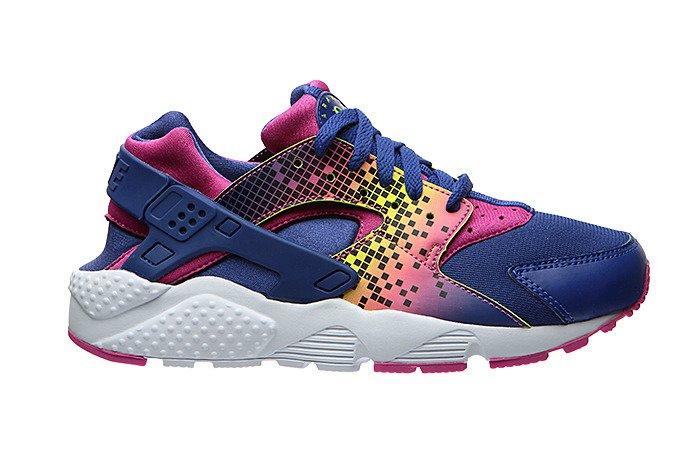 3e7d5aba7ae8 ... Buty młodzieżowe Nike Huarache Run 704946-500 ...